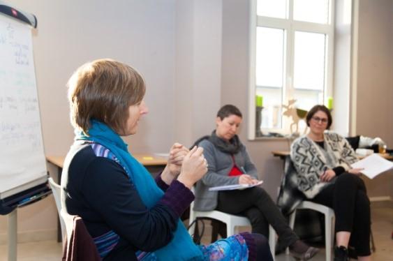 Inge Ketels in actie tijdens een cursus Sterk Leiderschap