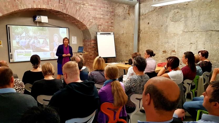 workshop In 5 stappen méér verdienen, voldoening en tijdvrijheid in cmine crib met 28 deelnemers en Inge Ketels